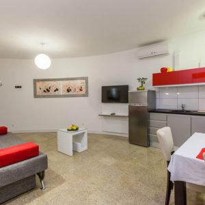 1-4-livingroomS2